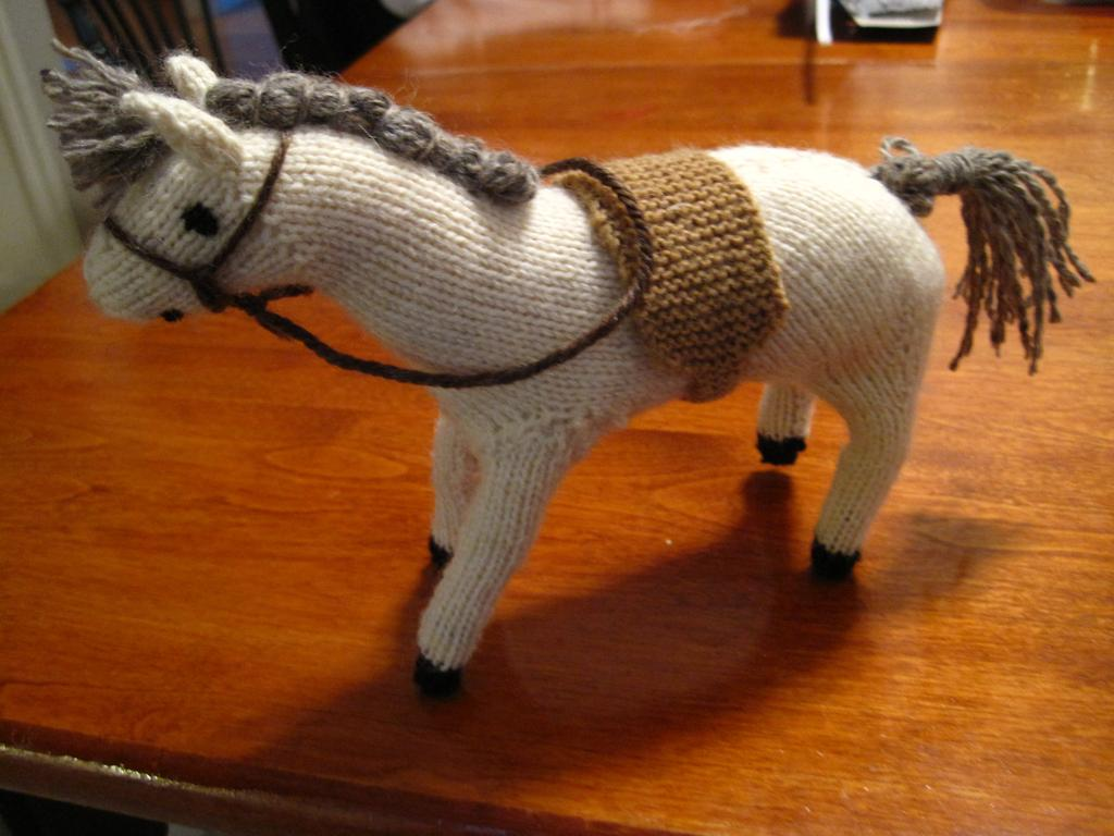 knitted_horse